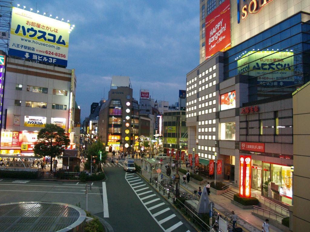 西東京はちおうじの夜の風景