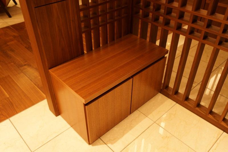 本駒込陵苑礼拝室のベンチ