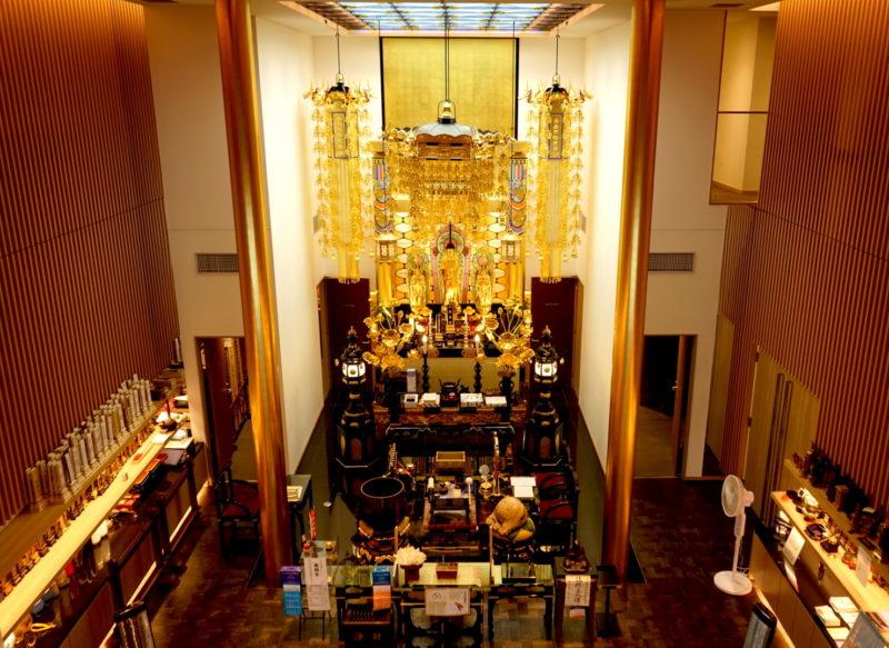 本駒込陵苑本堂のステンドグラス