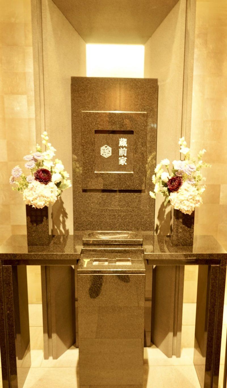 最新式納骨堂の墓石