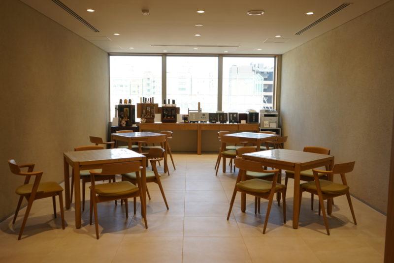 東京スカイツリーが一望できる蔵前陵苑の会食スペース